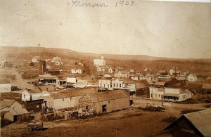 A 1908 photo of the town of Monowi, NE